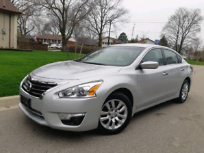 2014 Nissan Altima 2.5L One owner free accidents