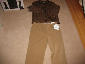 Brand New Ladies Pants From Liz Claiborne - Size 10