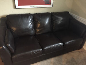 Free couch first come!! Pending pickup