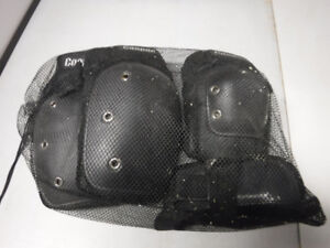 Protective guards for roller blading