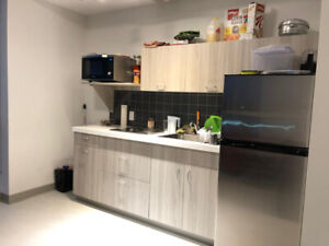 1 Room/ 2 Rooms for Sublet in a 2 bedroom apartment