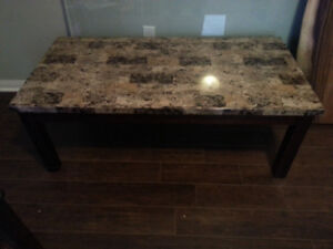 Coffee Table FOR SALE !!! In Excellent Condition !!!