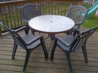Patio Furniture Set - Table and 4x Chairs (see pictures)