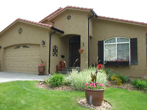 SUN RIVERS- Rancher, level entry, open plan, vaulted ceilings