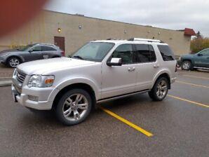 2010 Ford Explorer LTD