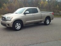 2007 Toyota Tundra Limited Pickup Truck spotless