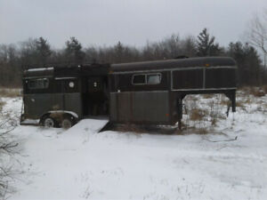 For sale Horse Trailer B/O