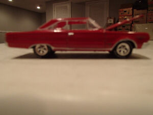 Loose Bright Red 1967 '67 PLYMOUTH BELVEDERE GTX HEMI 426/425