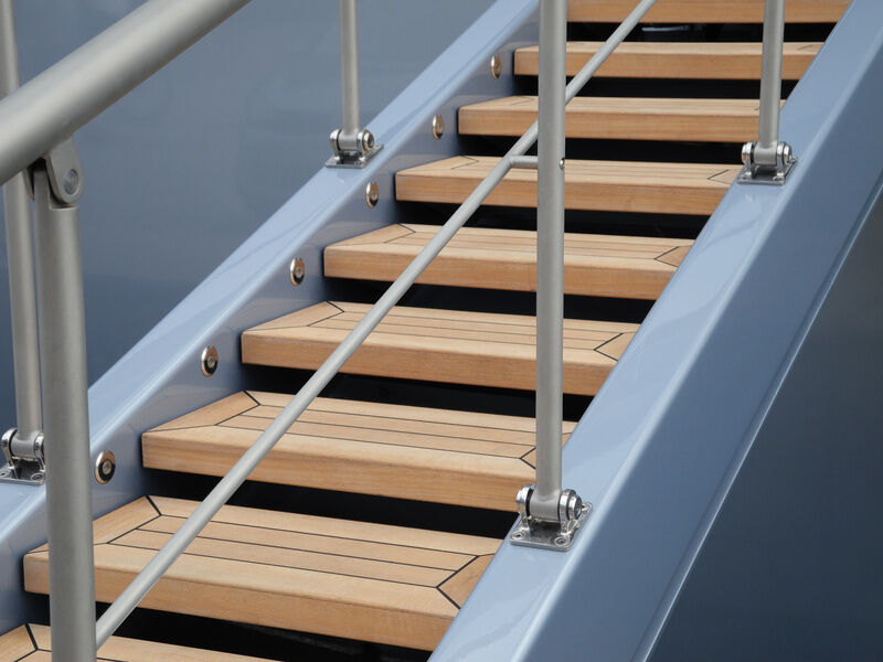 How To Finishing Oak Stair Treads : ... your stair risers solid wood stair treads create an elegant yet rustic
