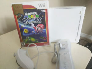Hardly used Nintendo Wii u with  one game super Mario Galaxy ava