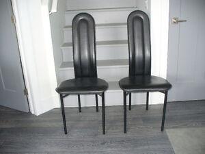 4 Chaises en cuir très confortable moderne