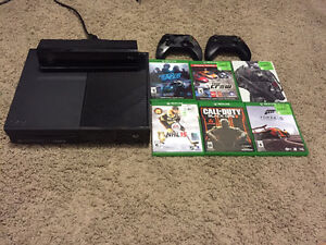 Selling Perfect Xbox One, Kinect, two controllers & Six Games!!!