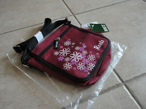 Roots burgundy crossbody messenger bag purse New with tags London Ontario image 6