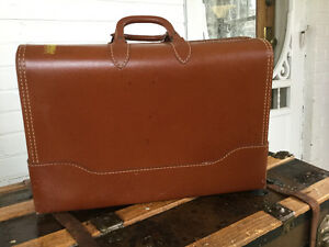 SALE! Vintage tan leather suitcase (A161)