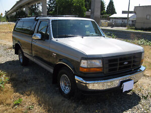 1993 Ford F-150 XL 124,600 KMS!   CLASSIC!!!