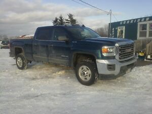 2015 GMC Sierra 2500 Pickup Truck !! 2500 HD !! 4X4 !! LOW KMS !