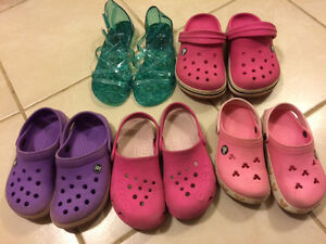 Girl cros/sandals size 10/11- Junior size 2/3
