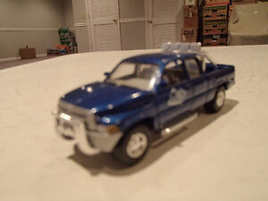 Loose Blue 1996  '96 DODGE RAM Extended Cab by JOHNNY LIGHTNING Sarnia Sarnia Area image 7