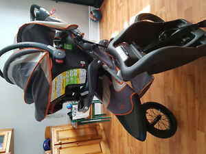 3 wheel jogger stroller carseat and base