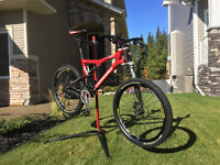 2010  Cannondale  RZ One Forty Carbon 2 - High End Mtn Bike!