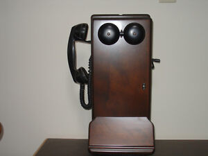 ANTIQUE NORTHERN ELECTRIC TELEPHONE.  [ REDUCED ]