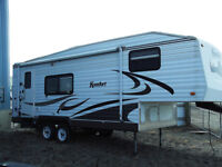 2005 Komfort 222FS 5th wheel