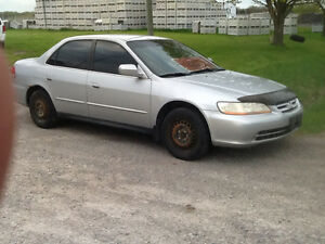 2001 Honda Accord 4 cylinder Plus extra rims and tires