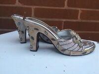 Size 5 - heels