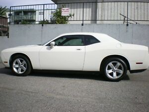 2010 Dodge Challenger Coupe (2 door)