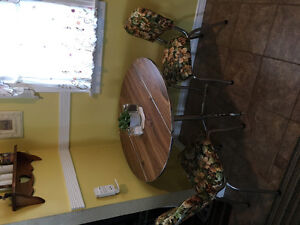 1960's table + 2 chair set