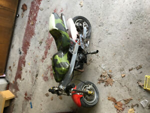 Pocket bike.  Runs