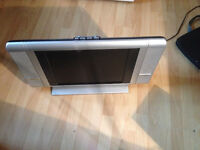 SMALL ROOM TV WITH SPEAKERS, STEREO IN EXCELLENT SHAPE