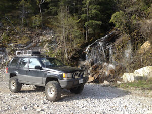 1993 Lifted Jeep Grand Cherokee Laredo Looking For Trade