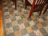 Tapis moderne comme neuf