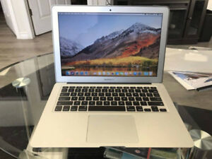 "Macbook Air 13"" -Early 2014 - 256 GB SSD - FLAWLESS 10/10"