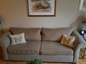 Couch–Very comfortable with a soft luxurious feel Oakville / Halton Region Toronto (GTA) image 1