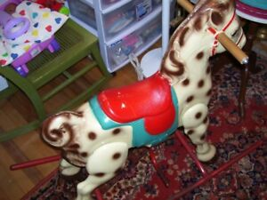 VINTAGE ROCKING HORSE SOLID METAL. LIKE NEW!!!
