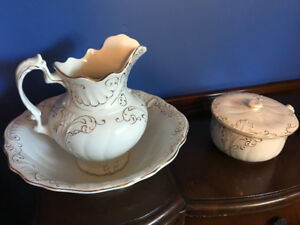 Antique chamber wash basin, water pitcher and pee pot.