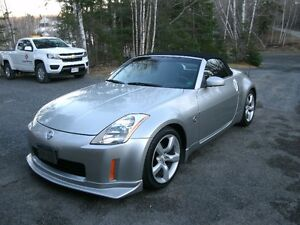 2004 Nissan 350Z Roadster.. (convertable)