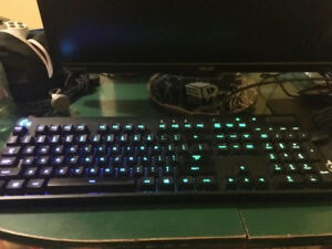 Logitech G933 + G810 + G502 (Headset, Mouse and Keyboard) Combo