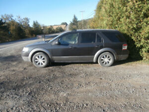 Ford taurus x 2008 WOW 1300.00