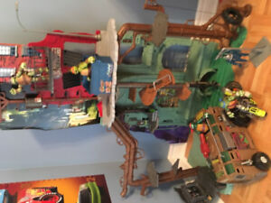 Teenage Mutant Ninja Turtles Secret Sewer playset