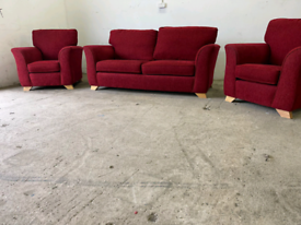 Red fabric 3 piece suite 2+1+1 sofas couches 🚚🚚