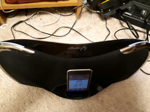 Copy butterfly iPod dock