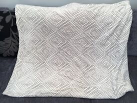 X large grey and white throw