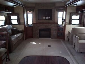 """2013 Wildwood DLX Forest River """"Couples"""" Trailer"""