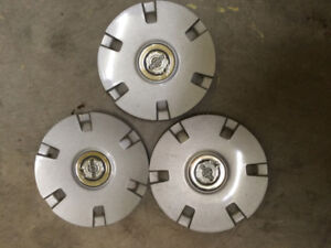 3 Enjoliveurs Pacifica 2004-2008  à vendre / 3 wheel cups