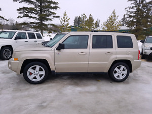 2010 Jeep Patriot SE 4 CYL NORTH EDITION.  $5,900.. WARRANTY INC