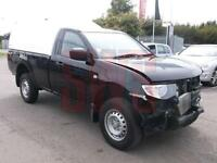2014 Mitsubishi L 200 4Life S/C DI-D 4x4 2.5 DAMAGED REPAIRABLE SALVAGE