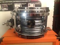 "Gretsch Renown 10"" Tom. Silver Oyster Pearl."